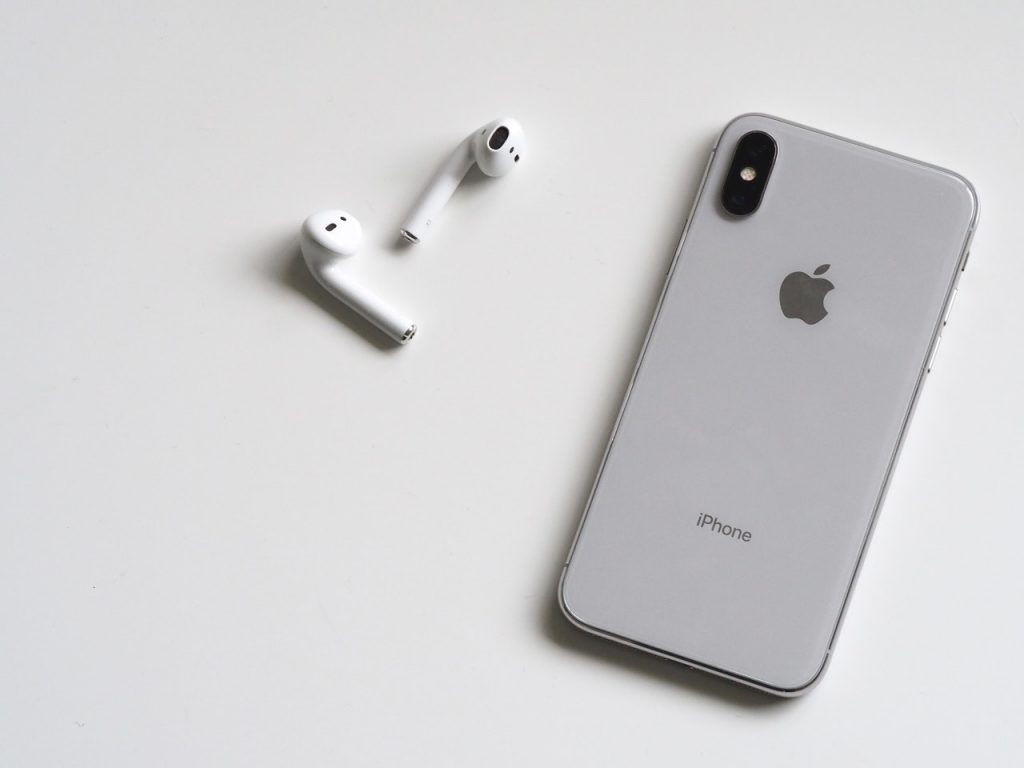 differences-apple-airpods-2-pro