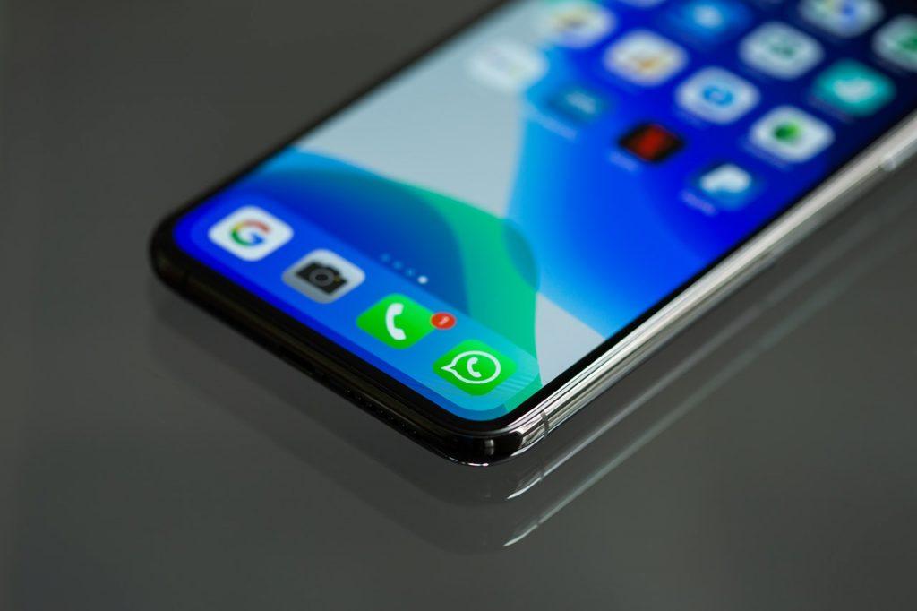 transfert-iphone-android-sauvegarder-messages-photos-whatsapp